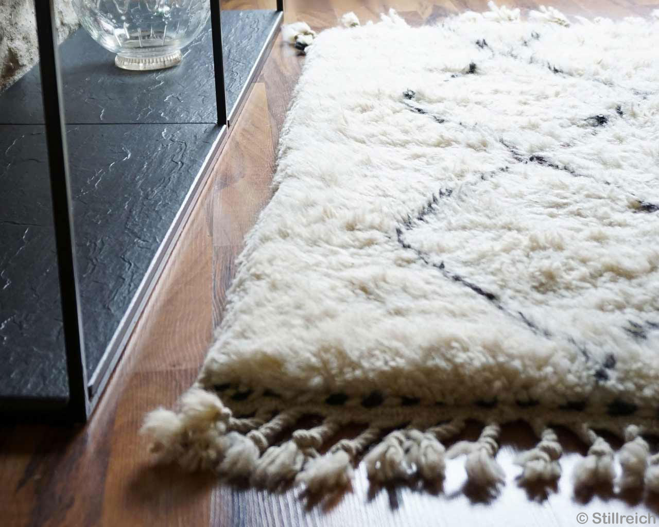 High Pile Carpet Pure Wool Fringes White Black Cupboard 2
