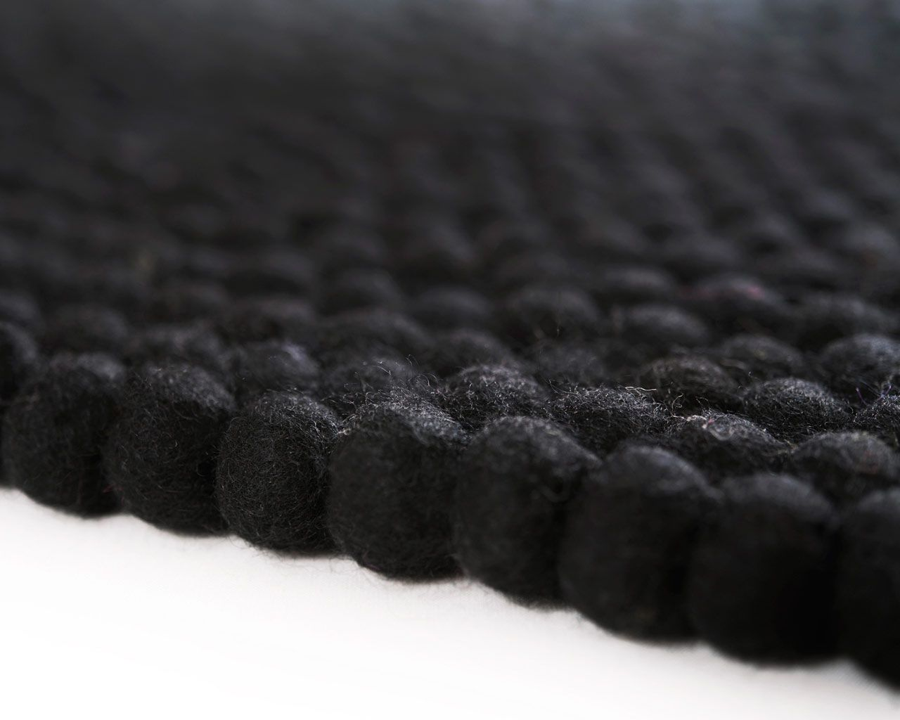 140cm carpet felting technique black
