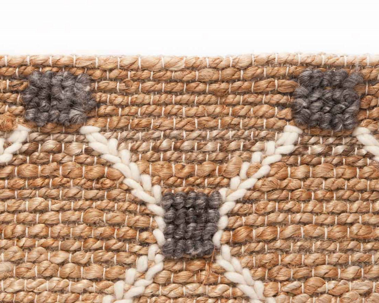 area rugs easily available online