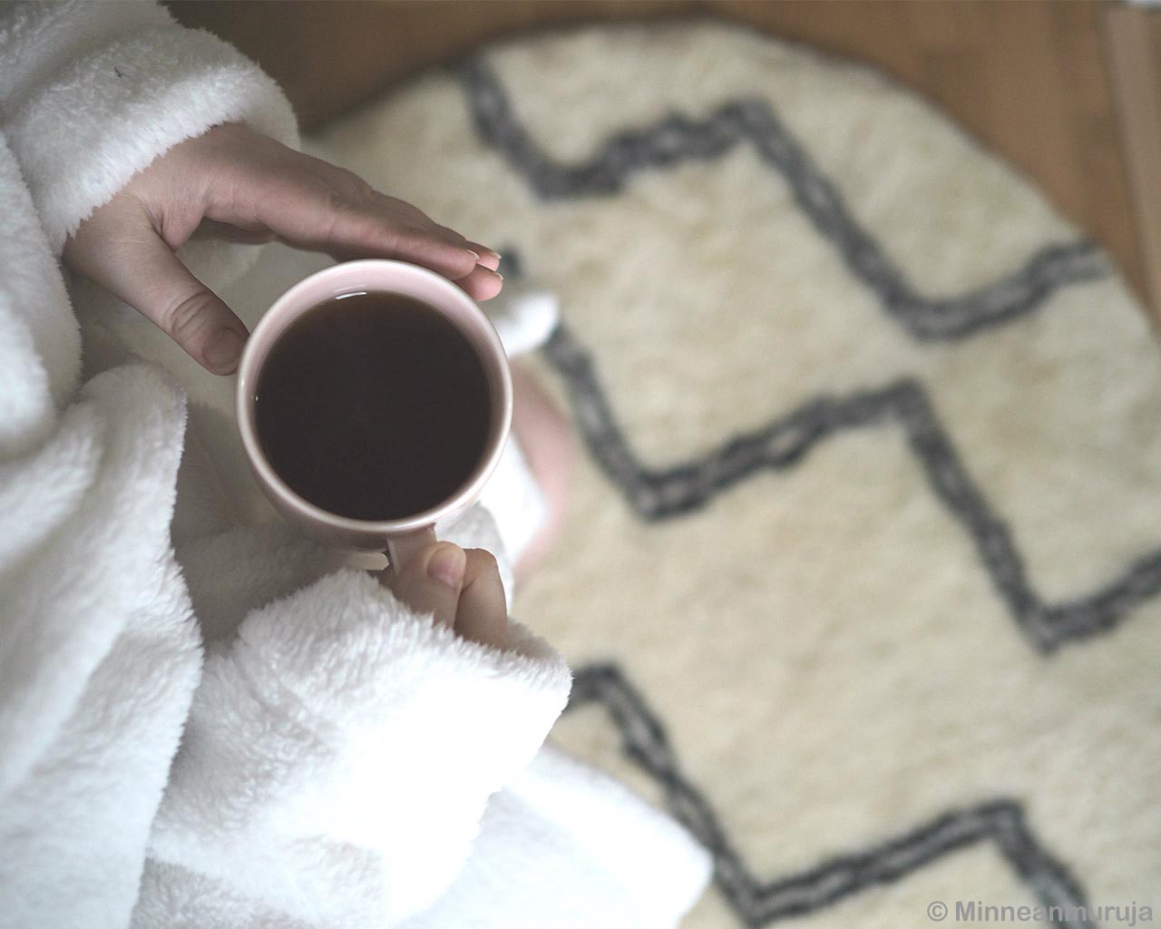 coffee cup in girls hands berber modern accent rugs