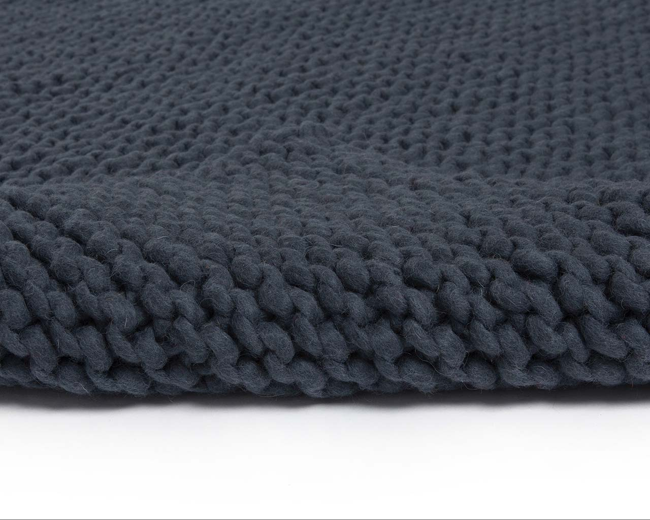 dark gray woolen braided chunky soft bedroom rugs