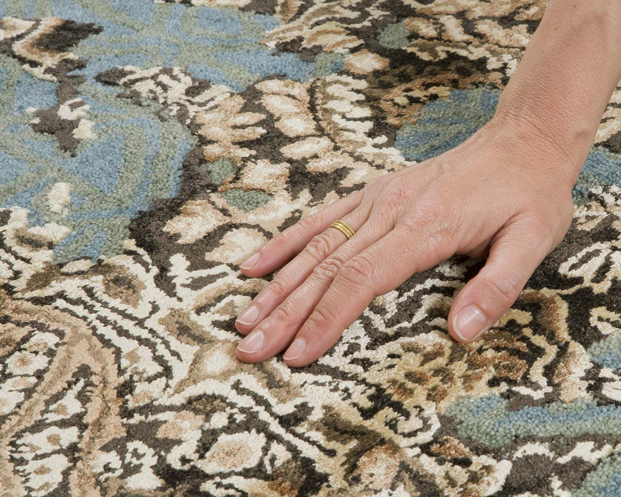 dark green luxurious hand with ring antique area rugs