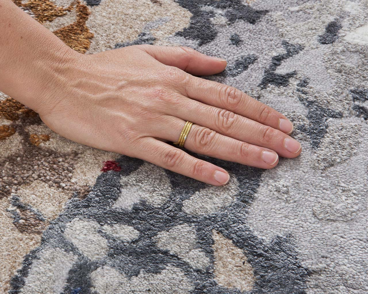 dark red fresh tufted hand with ring oriental rugs