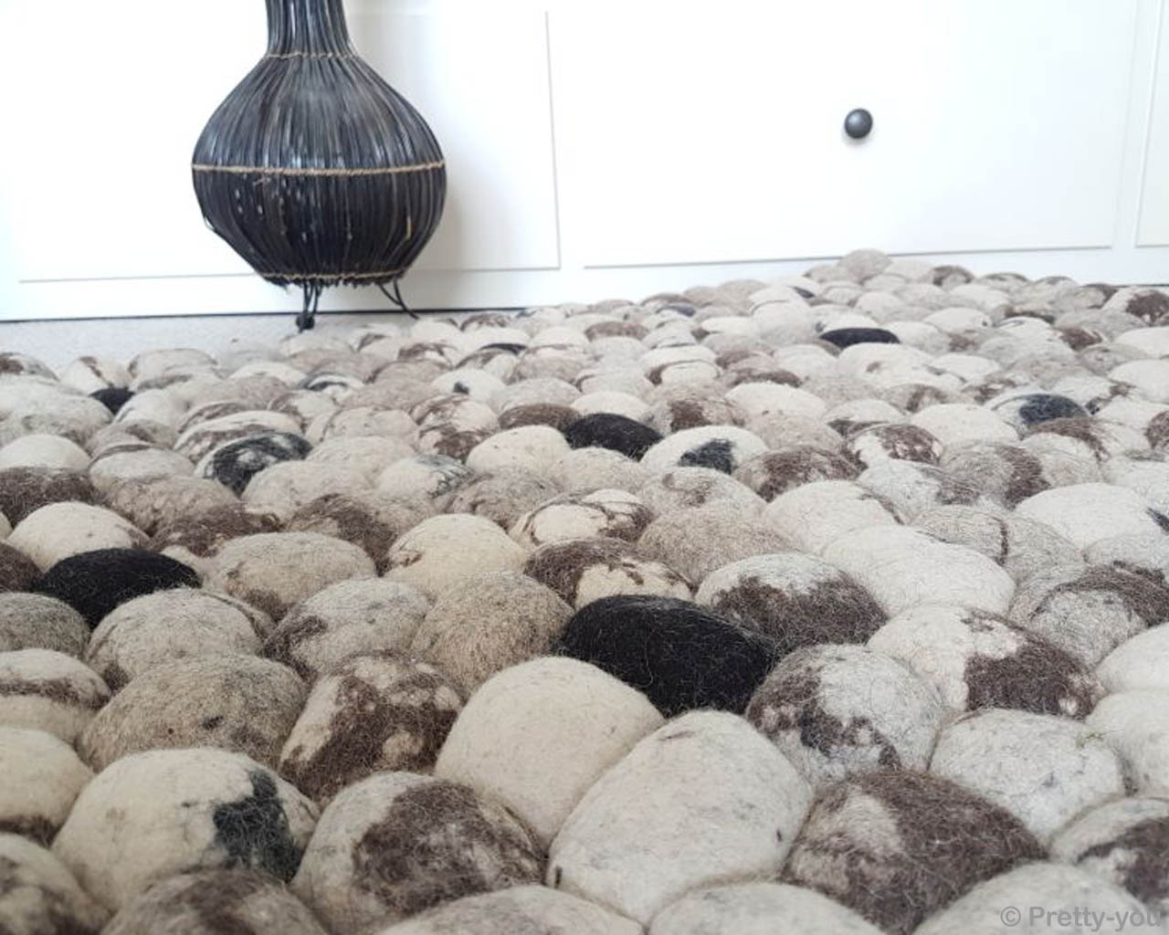 hand knotted black craft piece felt ball rugs