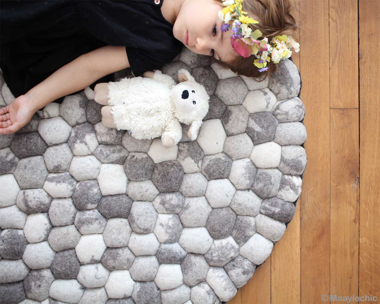 hand knotted cute baby gray felt ball rugs