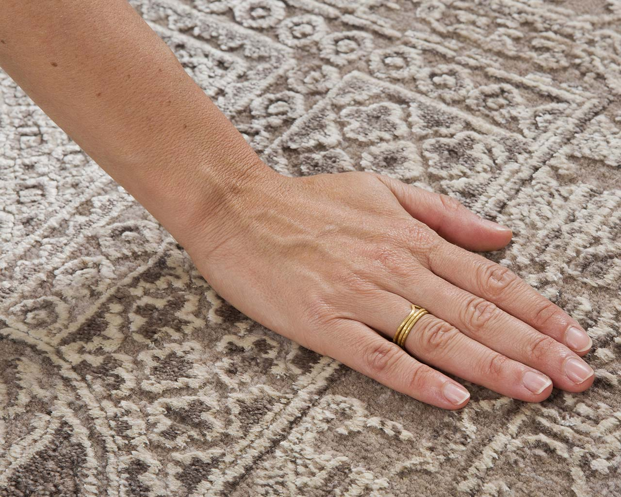 hand knotted ivory hand with ring hand knotted oriental rugs