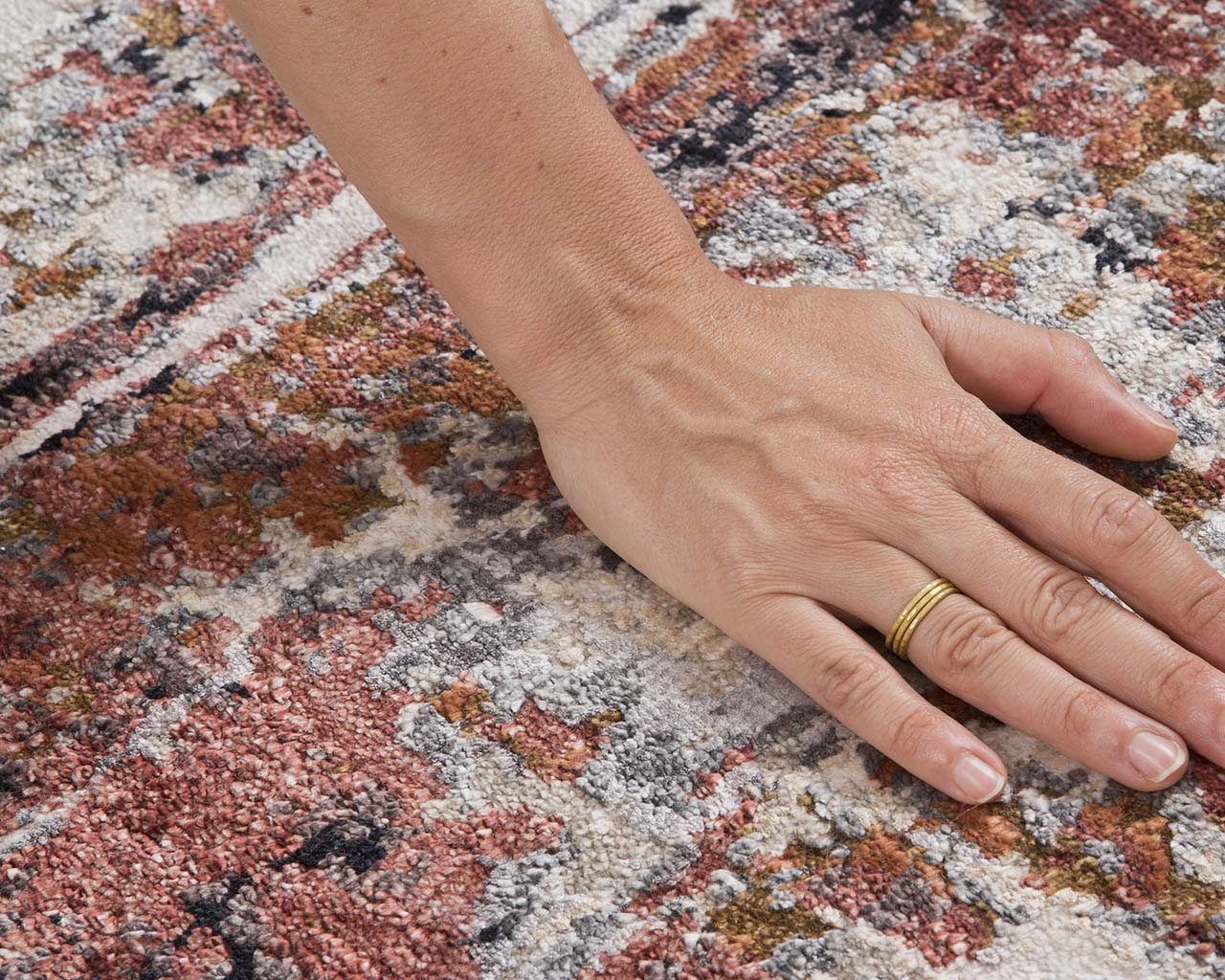 hand knotted pale violet red hand with ring oriental carpet designs