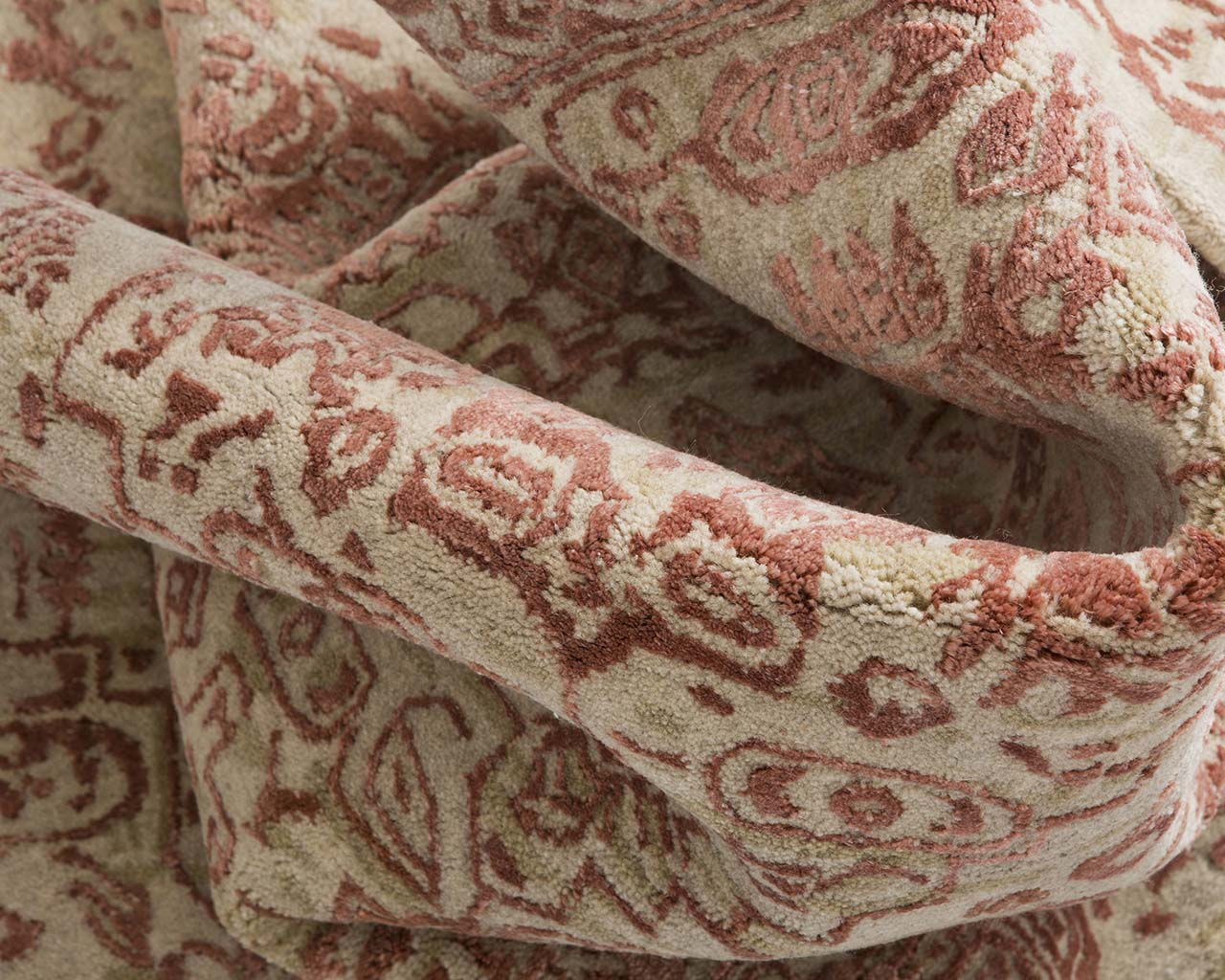 hand tufted light salmon scatter carpets
