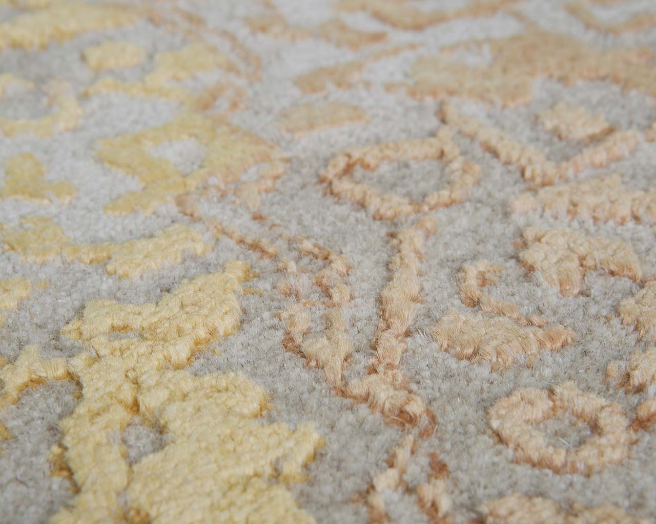 handmade new and fresh tomato imported carpets