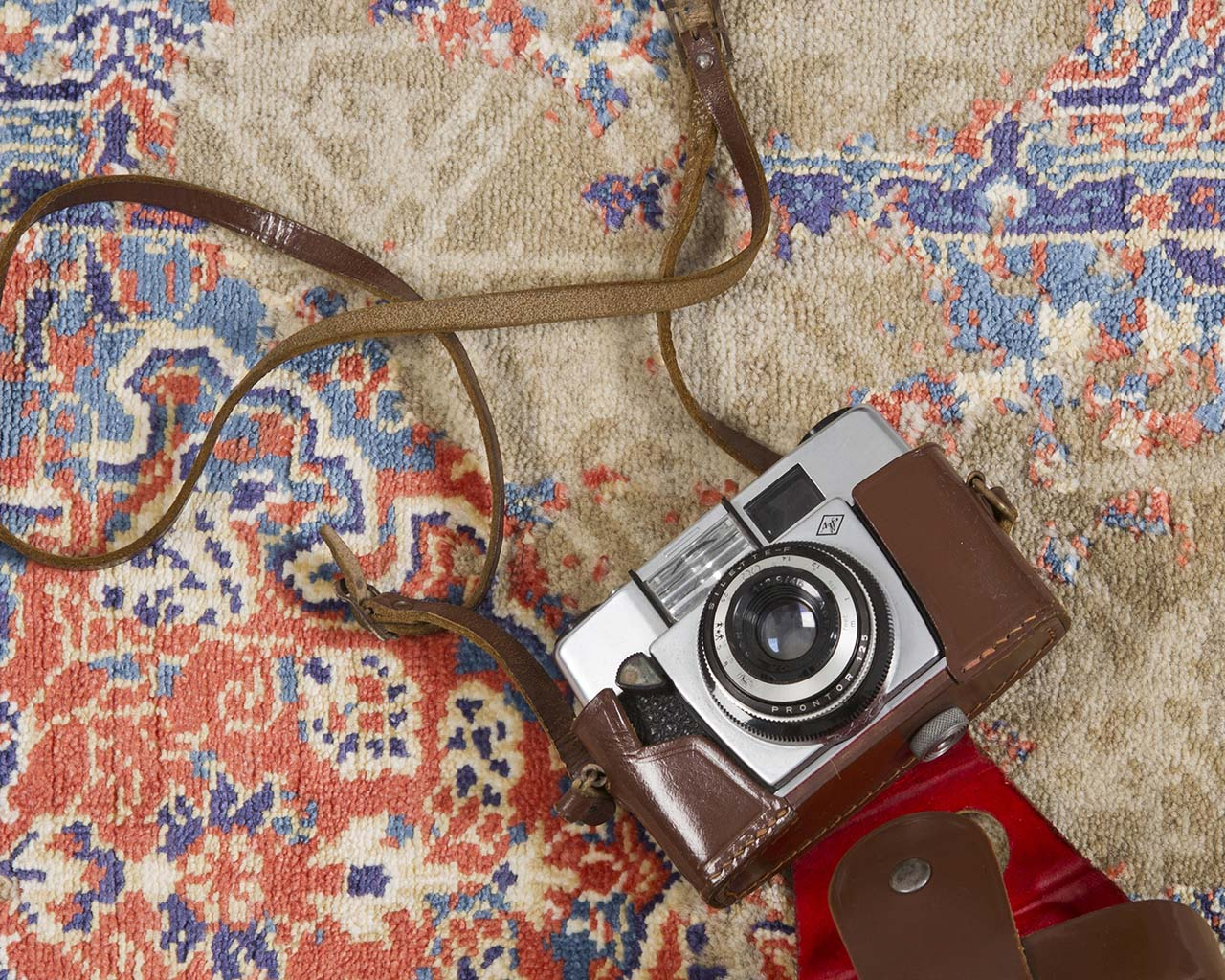 handmade red camera rugs for kids rooms