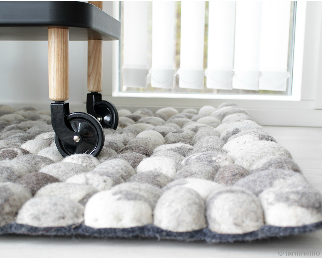 handmade trolly made in india traditional felt ball carpet
