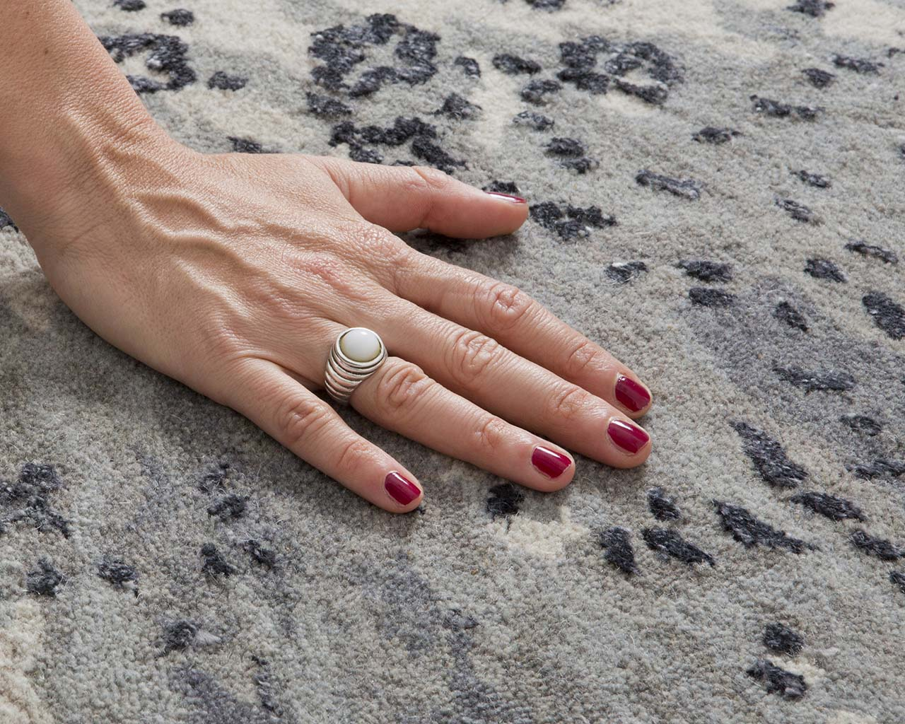 light slate gray tufted hand with nail polish asian carpets for sale