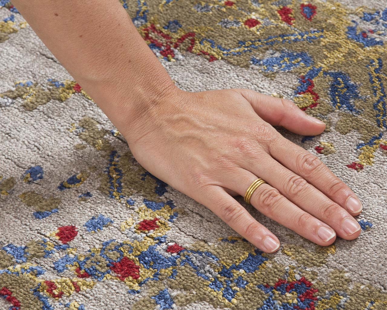 luxurious cyan hand with ring middle eastern rugs