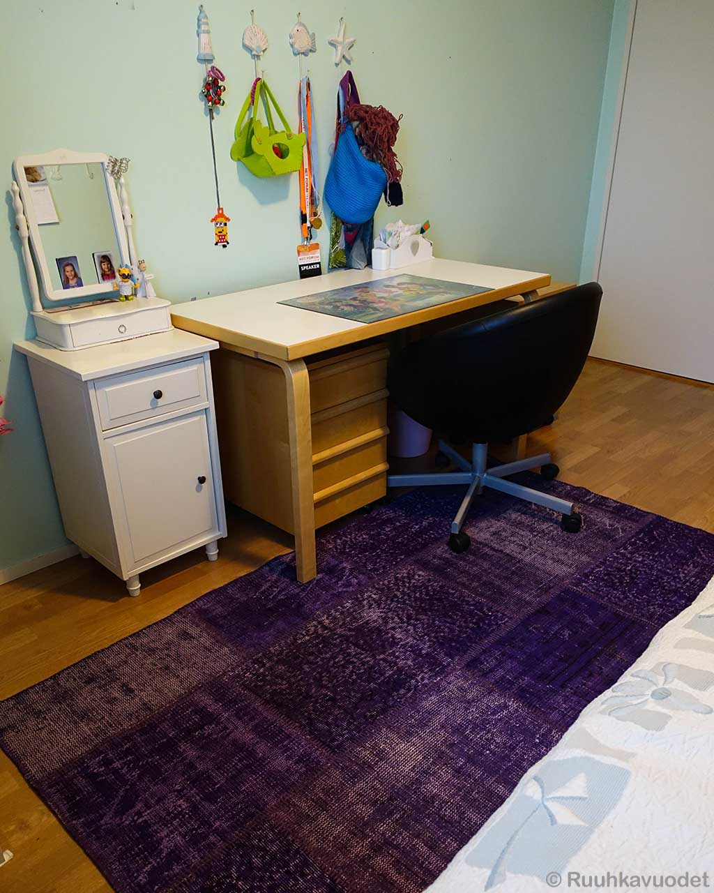 office table designer box pattern small rug