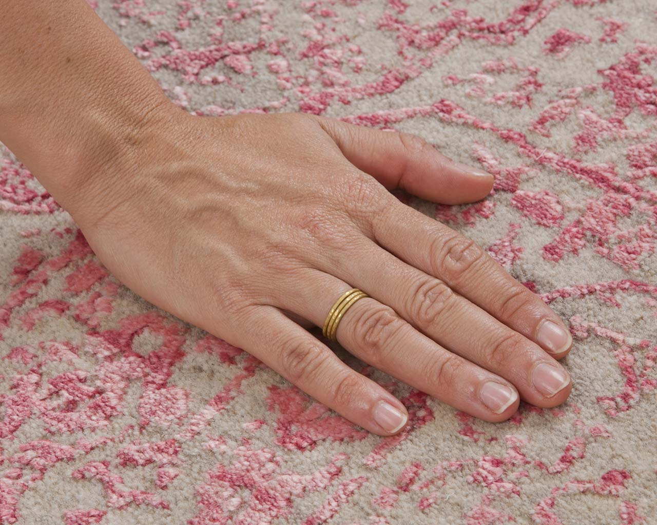 pale violet red hand with ring oriental floor rugs