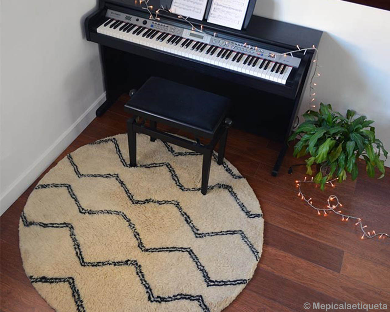 woolen beautiful piano and bench moroccan made lounge rugs