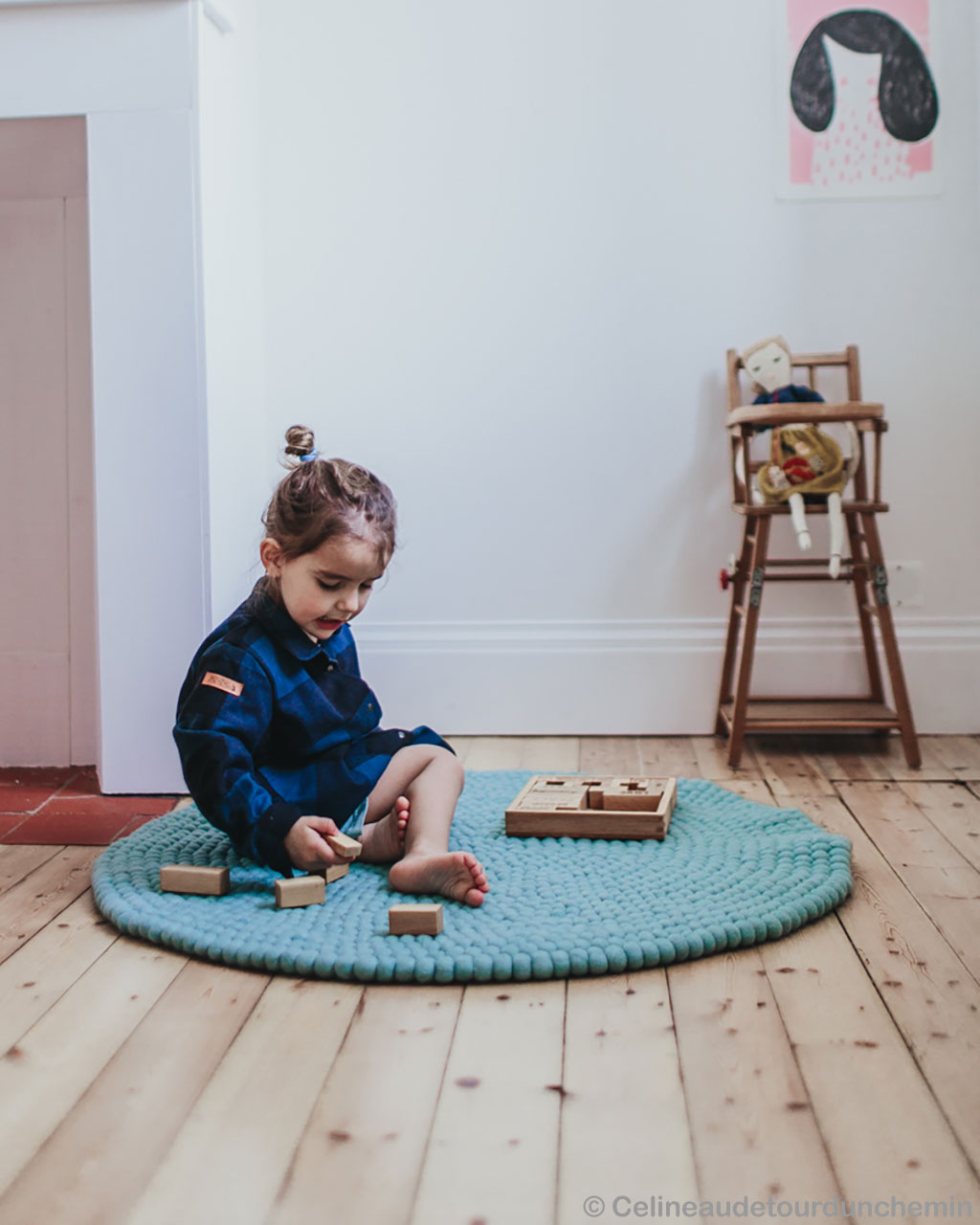 woolen cute baby girl playing with blocks modern floor rugs