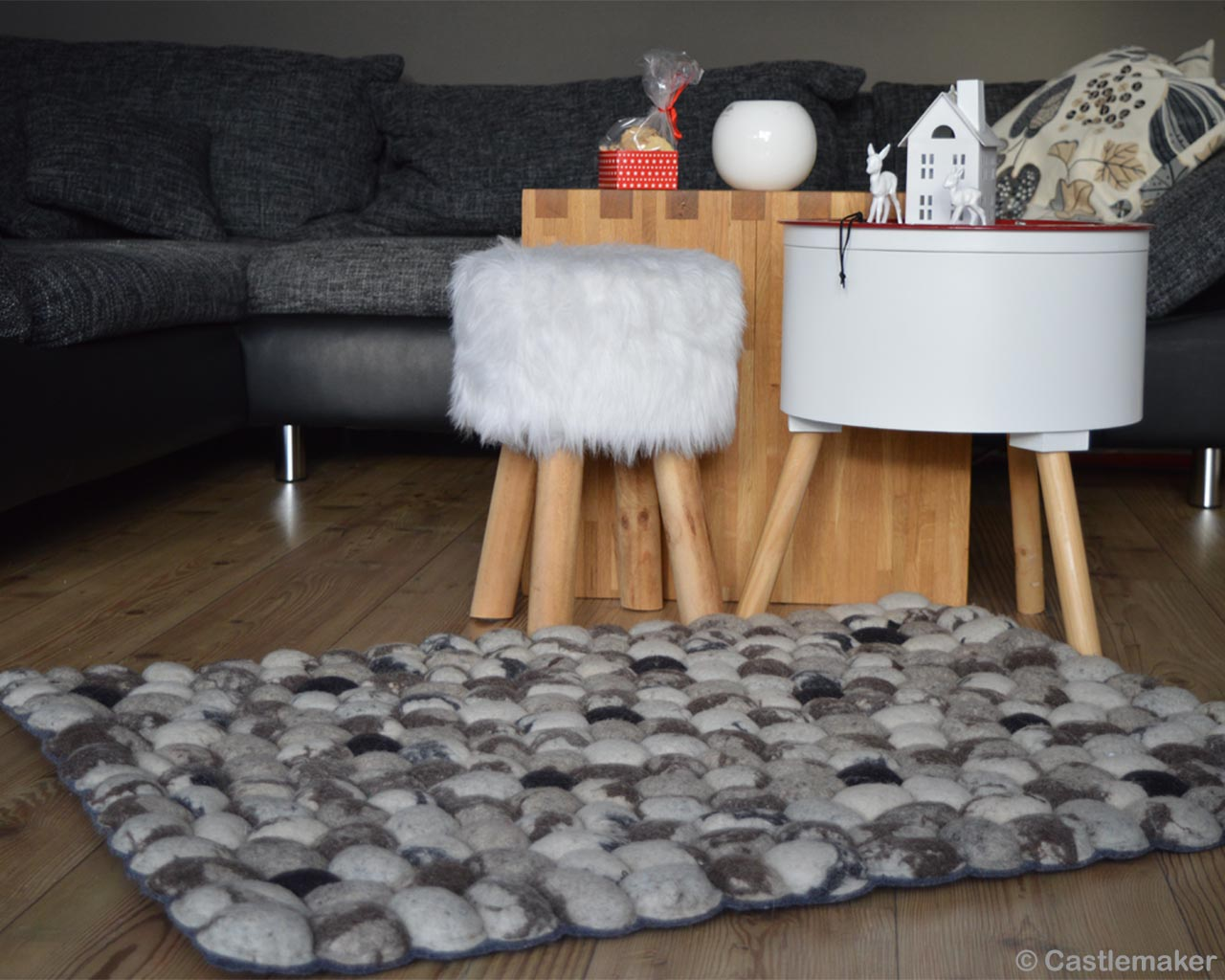 woolen white table and sofa made in india modern silver carpet