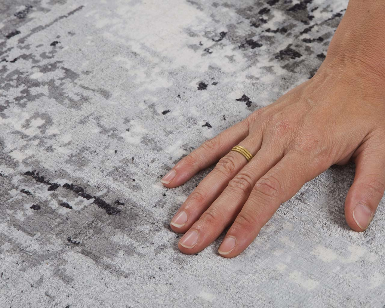 woven modern silver hand with ring area carpet sizes
